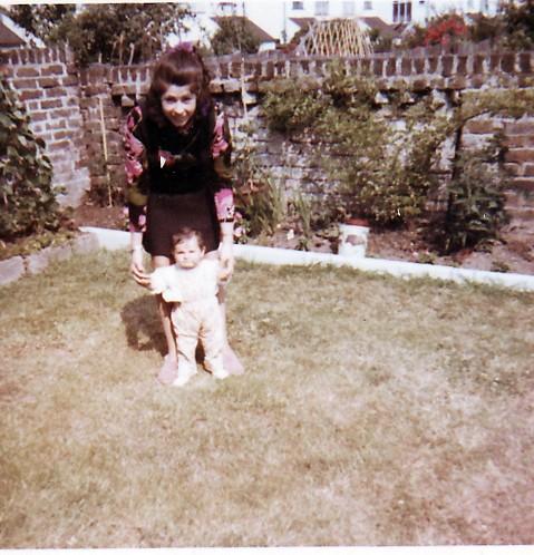 me mum age 1